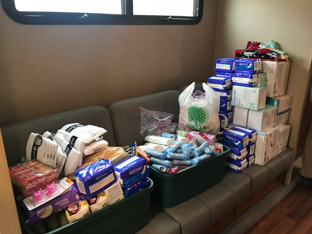Good Samaritan College Students Donate to Healthy Moms and Babes